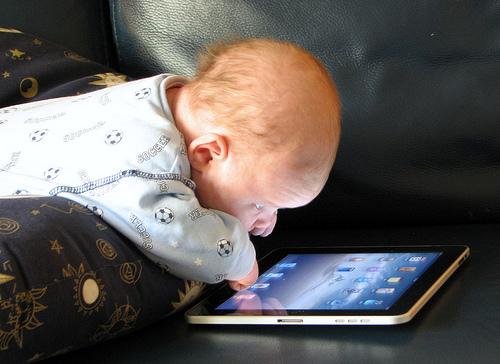 4581962986 2cb5ea4ef4 - Technology: The Childhood Distraction